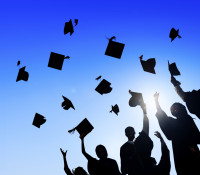 Ontario to give free college tuition for low income families
